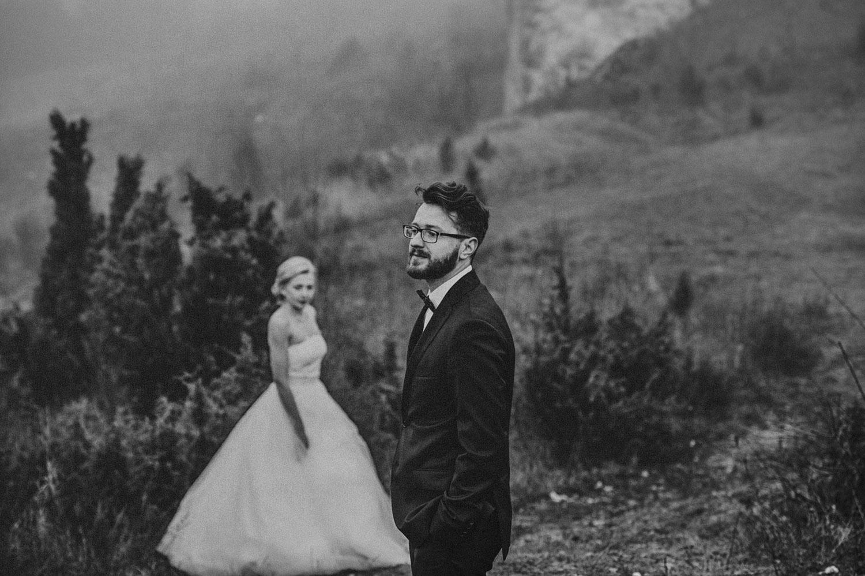 Góra Biakło Olsztyn,Złoty Potok plener ślubny , sesja ślubna, Tomasz Konopka ,fotografia ślubna Śląsk