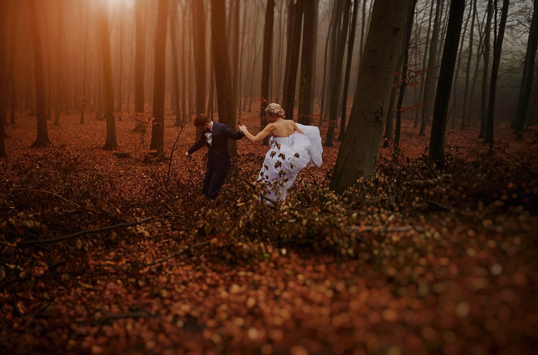 Przybynów, sesja ślubna, Tomasz Konopka ,fotografia ślubna Śląsk , sesja w lesie