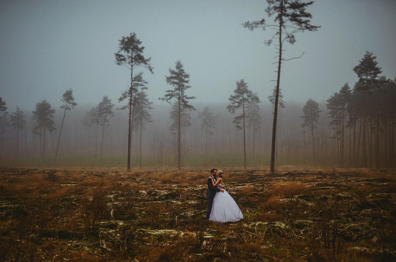 sesja ślubna w lesie, Złoty Potok, Przybynów, sesja ślubna, Tomasz Konopka ,fotografia ślubna Śląsk