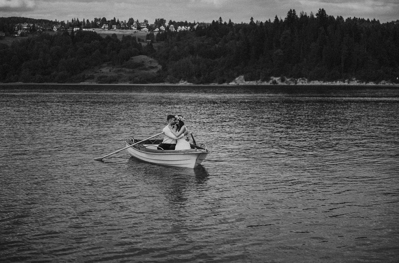 sesja na jeziorze,Czorsztyn, sesja ślubna w górach ,Tomasz Konopka, fotograf Myszków,Fotografia ślubna Nowy Sącz, fotograf Kraków