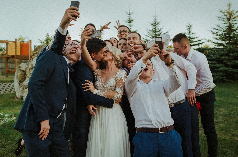 wesele śląsk, Hetman Lgota Murowana,selfie ,fotografia ślubna Śląsk,Tomasz Konopka,rustykalny ślub, fotograf Myszków,boho ślub,piękny ślub ,fotograf Katowice,