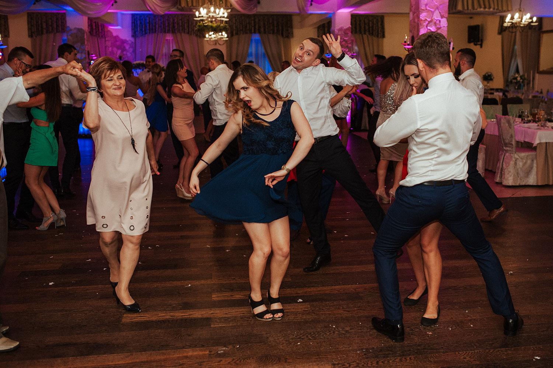 dance,wedding,fotografia ślubna Śląsk,Tomasz Konopka,rustykalny ślub, fotograf Myszków,boho ślub,piękny ślub ,fotograf Katowice,