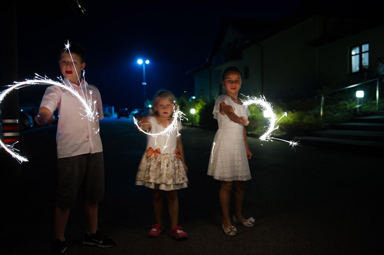 zimne ognie ślub,fotografia ślubna Śląsk,Tomasz Konopka,rustykalny ślub, fotograf Myszków,boho ślub,piękny ślub ,fotograf Katowice,