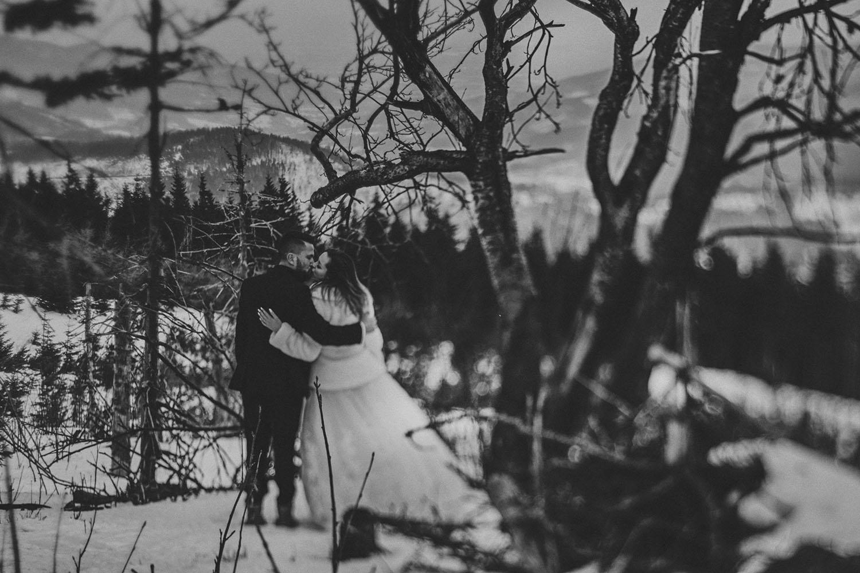 Skrzyczne ,plener ślubny w górach,wesele w górach ,fotografia ślubna Śląsk, Szczyrk zdjęcia ślubne , Tomasz Konopka