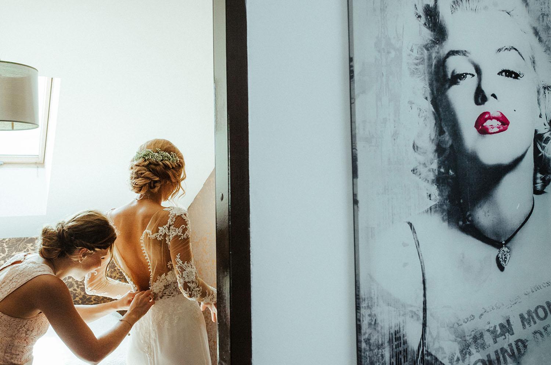 przygotowania ślubne,Merlin Monroe ,fotografia ślubna Kraków , Kazimierz sesja ślubna, Tomasz Konopka , Zacisze Dąbrowa Górnicza